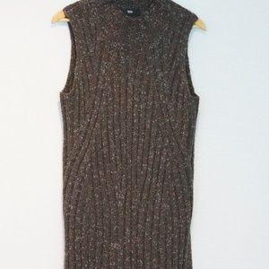 Mossimo sleeveless sweater